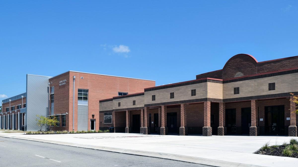 Goose Creek Highschool - Image 1