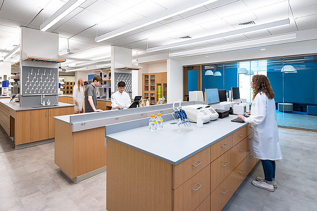 High-Tech Chemistry Teaching Lab